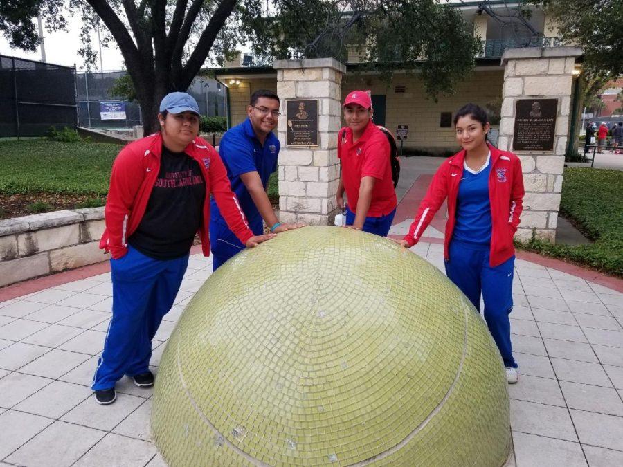 Tennis Qualify's for Regionals in San Antonio