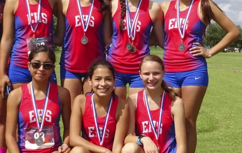 Varsity Girls win 2nd place at District, earning spot at Regionals