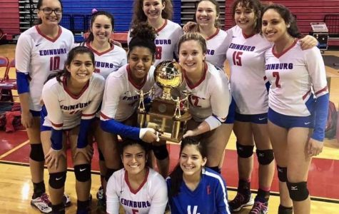 Varsity Volleyball team earns District title