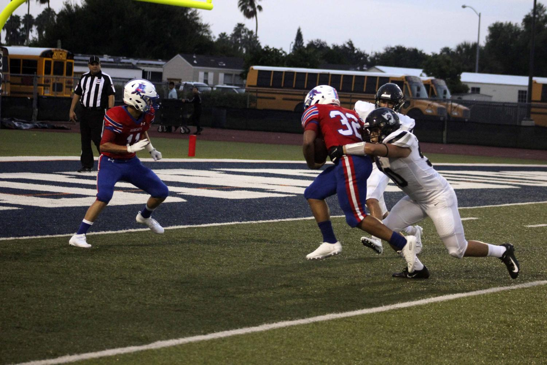 Junior, Shandon Woodard scores a touchdown at the football game against Brownsville Rivera last week.