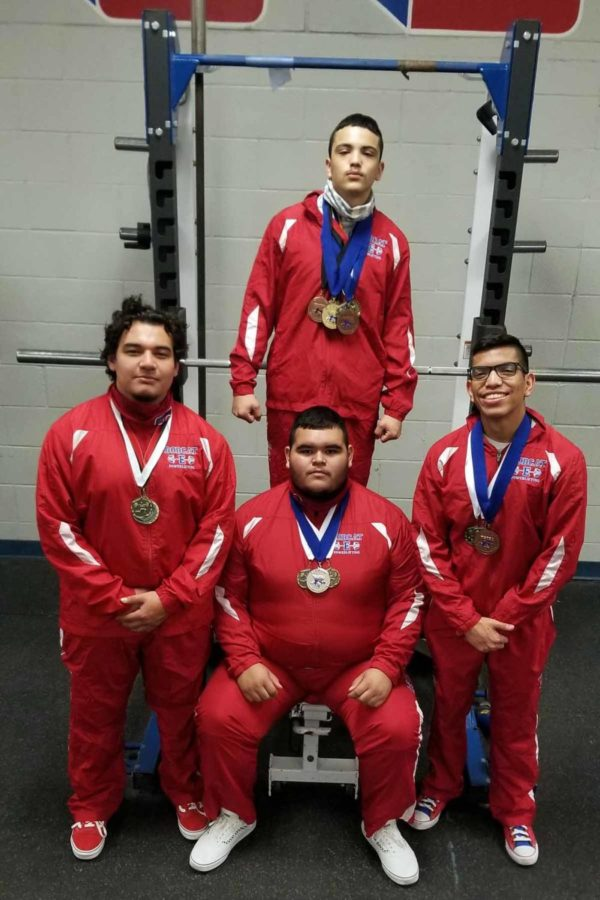 Boys Powerlifters qualify for State compeititon
